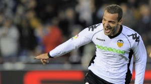 Transfer Latest - Tottenham Hotspur Favorites To Land Roberto Soldado ; Liverpool FC Close In On Aly Cissokho