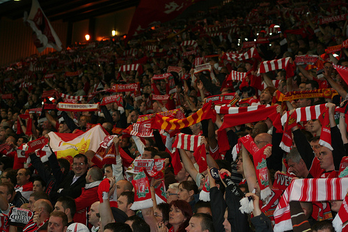 Liverpool Supporters Singing - YNWA