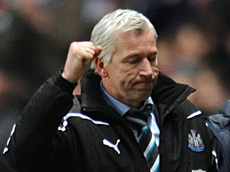 Alan Pardew - Newcastle United manager | Newcastle United vs Arsenal FC - Team News, Lineups, Tactics And Prediction