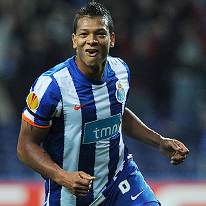 Guarin: Another midfield target for United