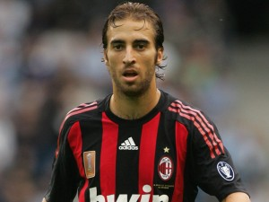 Flamini signs for Arsenal the second time
