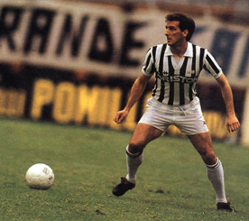 There was a time where attacking center backs like Gaetano Scirea were more common on the best sides and were crucial to their sides in defense and attack.