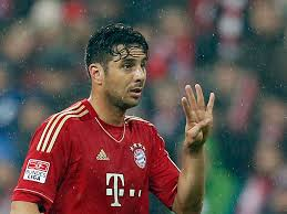 Bundesliga Transfer News - Pizarro Extends With Bayern Munich ; Borussia Dortmund Signs Aubameyang