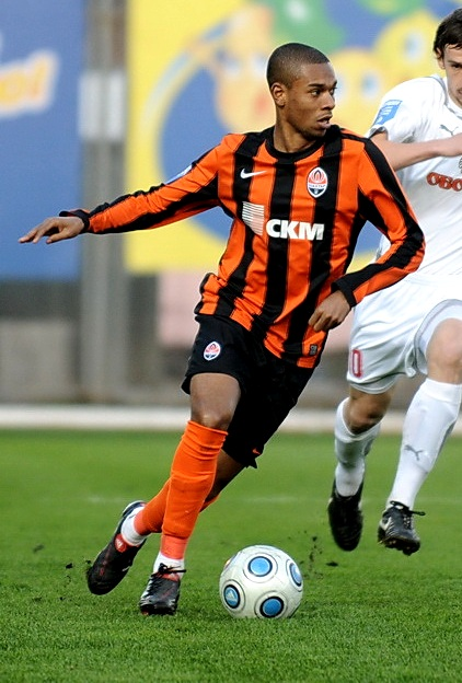 Manchester City Transfer News - Fernandinho Urges Shakhtar To Lower Buyout Clause