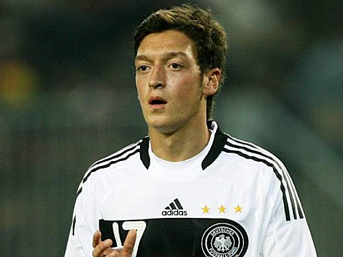 Real Madrid Players Unhappy About Ozil's Transfer To Arsenal - Reactions