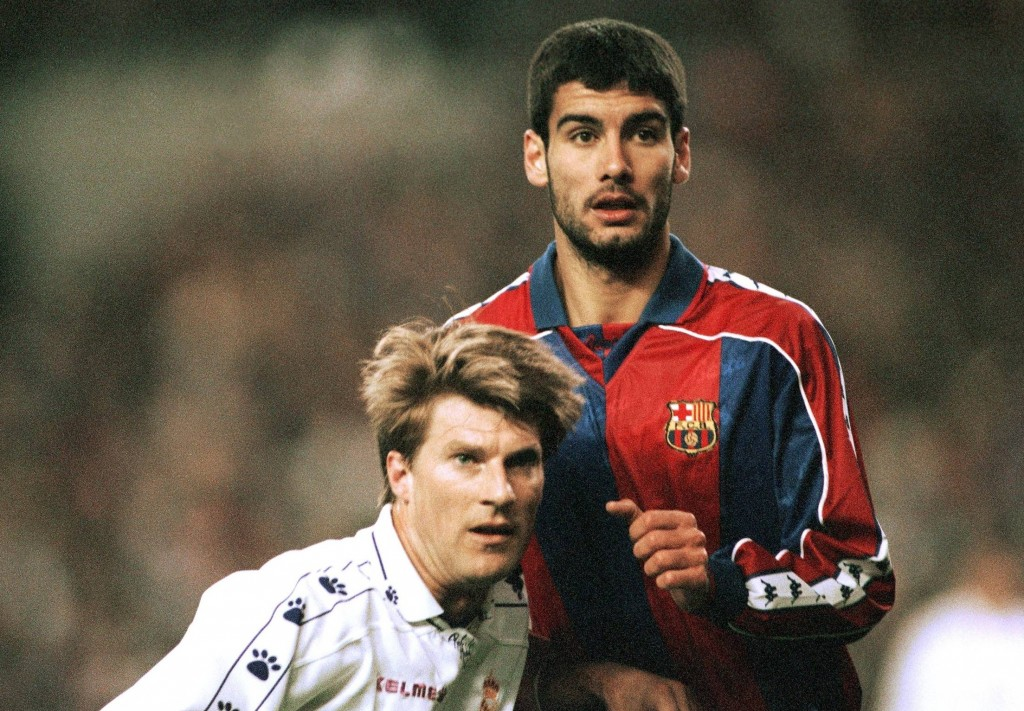 Michael Laudrup and Pep Guardiola clash in this 1994-95 El Clasico