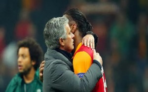 Jose Mourinho (Chelsea FC manager) and Didier Drogba (Galatasaray forward) - UCL Five Things: Chelsea And Drogba Meet Again, Real-Schalke Irrelevant