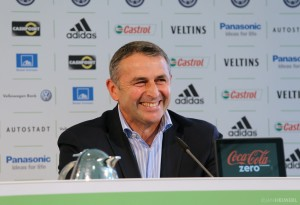 "[Exclusive] Klaus Allofs: ""Rodriguez Is Very Happy At Wolfsburg"""