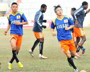 AFC Cup : Vissai's only Foreign Star - Sim ( on the right )
