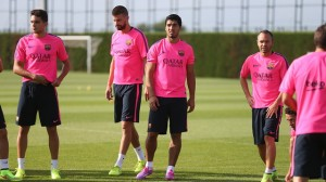 Suarez trains ahead of the trip to Madrid