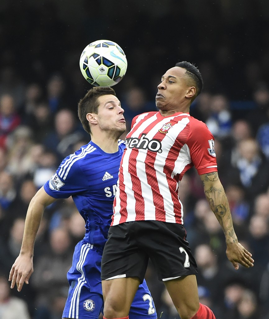Chelsea's Cesar Azpilicueta (L) vies for the ball against Southampton Nathaniel Clyne (R)during their English Premier League soccer match between Chelsea and Southampton at Stamford Bridge  in London, Britain, 15 March 2015.
