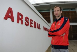 Cech's arrival at the Emirates could be a double whammy for Chelsea (c)Picture courtesy www.arsenal.com