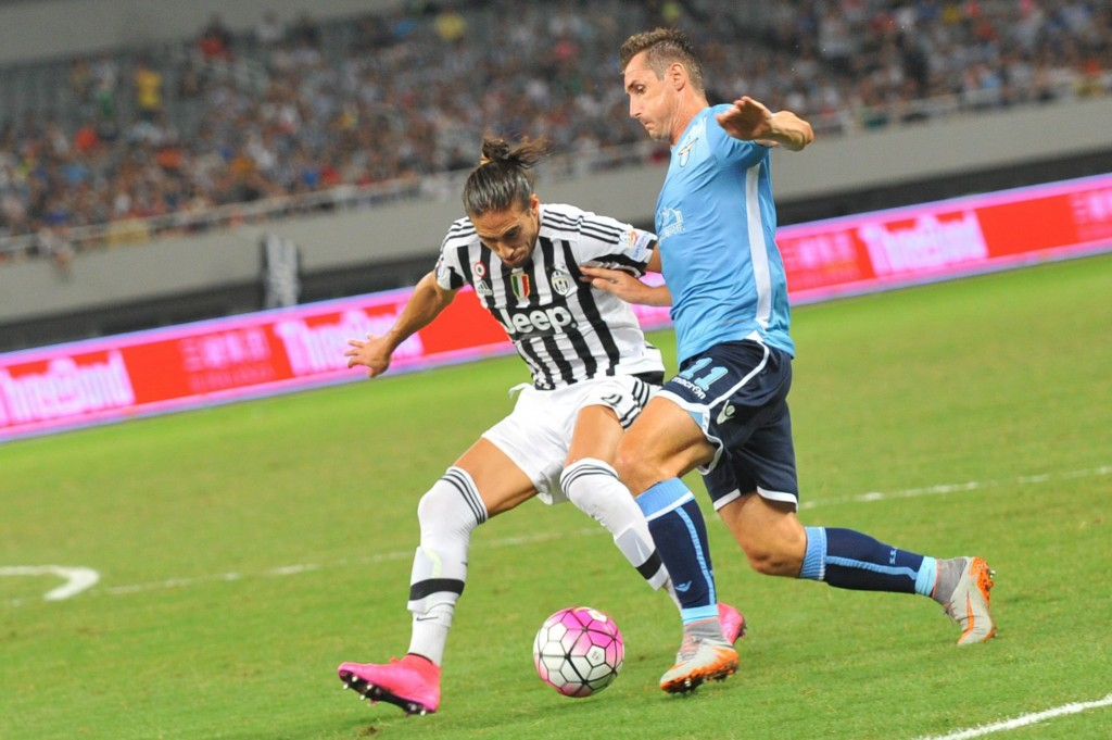 Martin Caceres could prove to be a great addition for West Brom and could serve as a great partner to Jonny Evans at the centre of the defence for Tony Pulis. (Picture Courtesy - AFP/Getty Images)