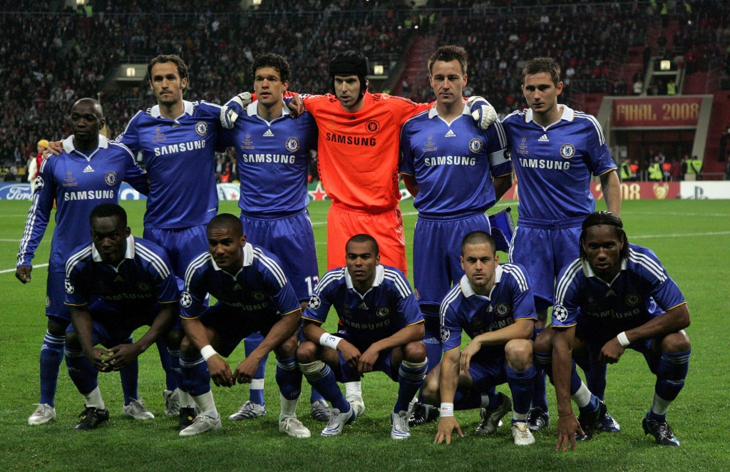epa01353273 Chelsea team prior to the UEFA Champions League final between Manchester United and FC Chelsea at the Luzhniki stadium in Moscow, Russia, 21 May 2008. Standing from left: Claude Makalele, Ricardo Carvalho, Michael Ballack, Petr Cech, John Terry, Frank Lampard. Bottom from left: Michael Essien, Florent Malouda, Ashley Cole, Joe Cole, Didier Drogba.  EPA/ANATOLY MALTSEV NO MOBILE PHONE DEVICES
