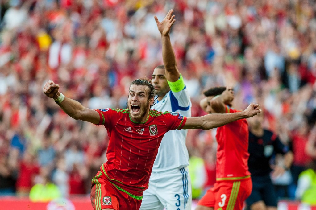 Is Gareth Bale Planning to don the red jersey in club football soon? (Picture Courtesy - AFP/Getty Images)