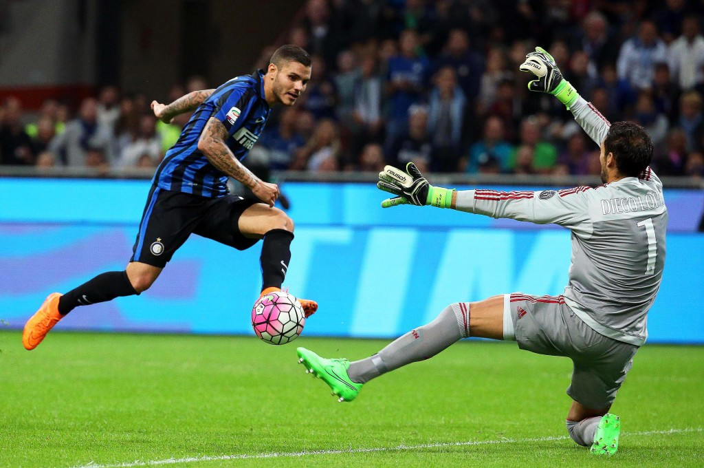"""""""Go Diego Go"""" - AC Milan have sufficient squad depth at the Goalkeeping position and could allow the Spaniard to leave amidst interest from Chelsea. (Picture Courtesy - AFP/Getty Images)"""