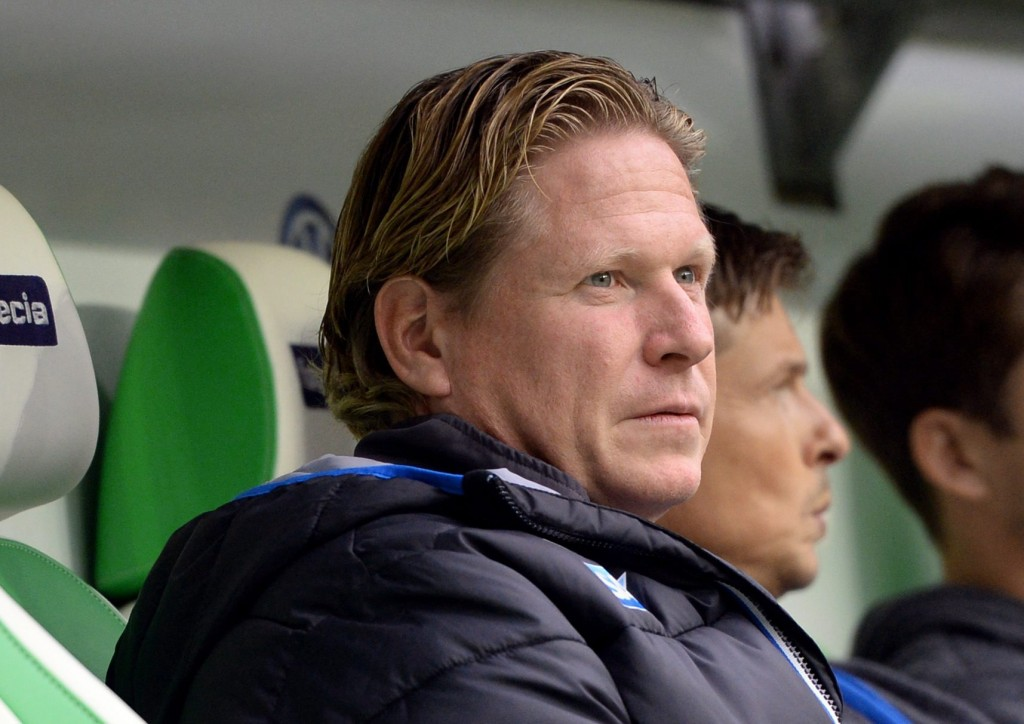 epa04981049 Hoffenheim's head coach Markus Gisdol prior to the German Bundesliga soccer match between VfL Wolfsburg and TSG 1899 Hoffenheim in Wolfsburg, Germany, 17 October 2015. EPA/SUSANN PRAUTSCH (EMBARGO CONDITIONS - ATTENTION: Due to the accreditation guidelines, the DFL only permits the publication and utilisation of up to 15 pictures per match on the internet and in online media during the match.)