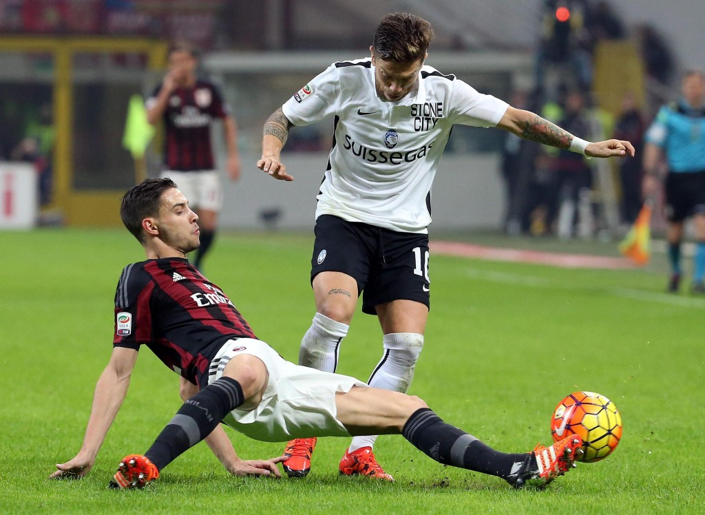 Mattia De Sciglio has struggled to gain a regular starting spot in the recent times at San Siro and could be on his way out in search of Champions League football.
