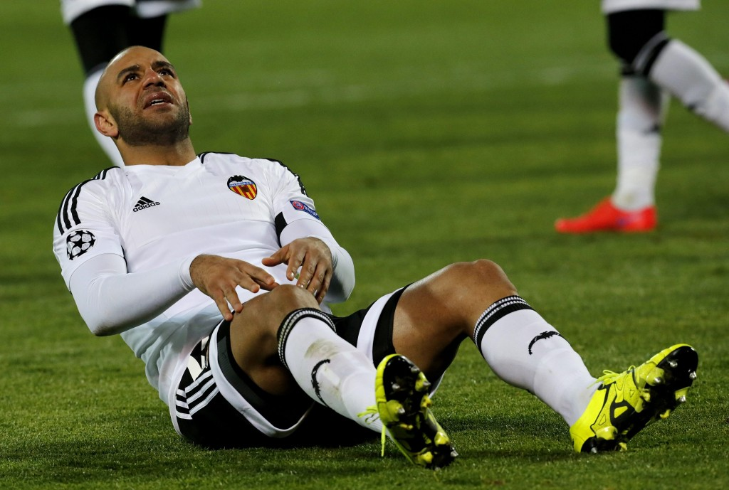 Valencia CF's Aymen Abdennour reacts during the UEFA Champions League group H soccer match against FC Zenit at the Petrovsky stadium in St. Petersburg, Russia, 24 November 2015. (Photo Credit: EPA/Anatoly Maltsev)