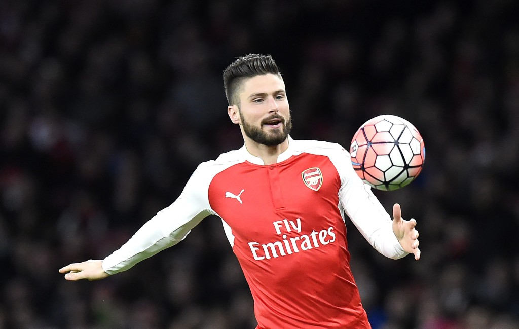 Arsenal's Olivier Giroud controls the ball during the English FA Cup third round match between Arsenal and Sunderland at the Emirates in London, Britain, 09 January 2016. (Photo by Facundo Arrizabalaga/EPA)