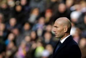Real Madrid vs Atletico Madrid: Zidane and Simeone look for midfield domination