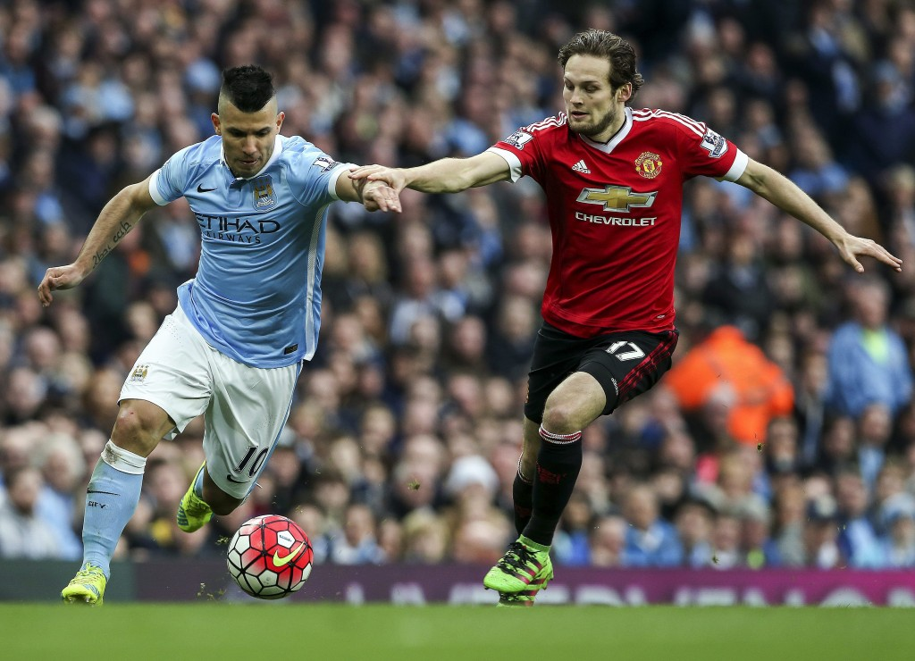 Daley Blind (R) can play at left-back, holding midfield as well in central defence. (Photo Courtesy: AFP/Getty)