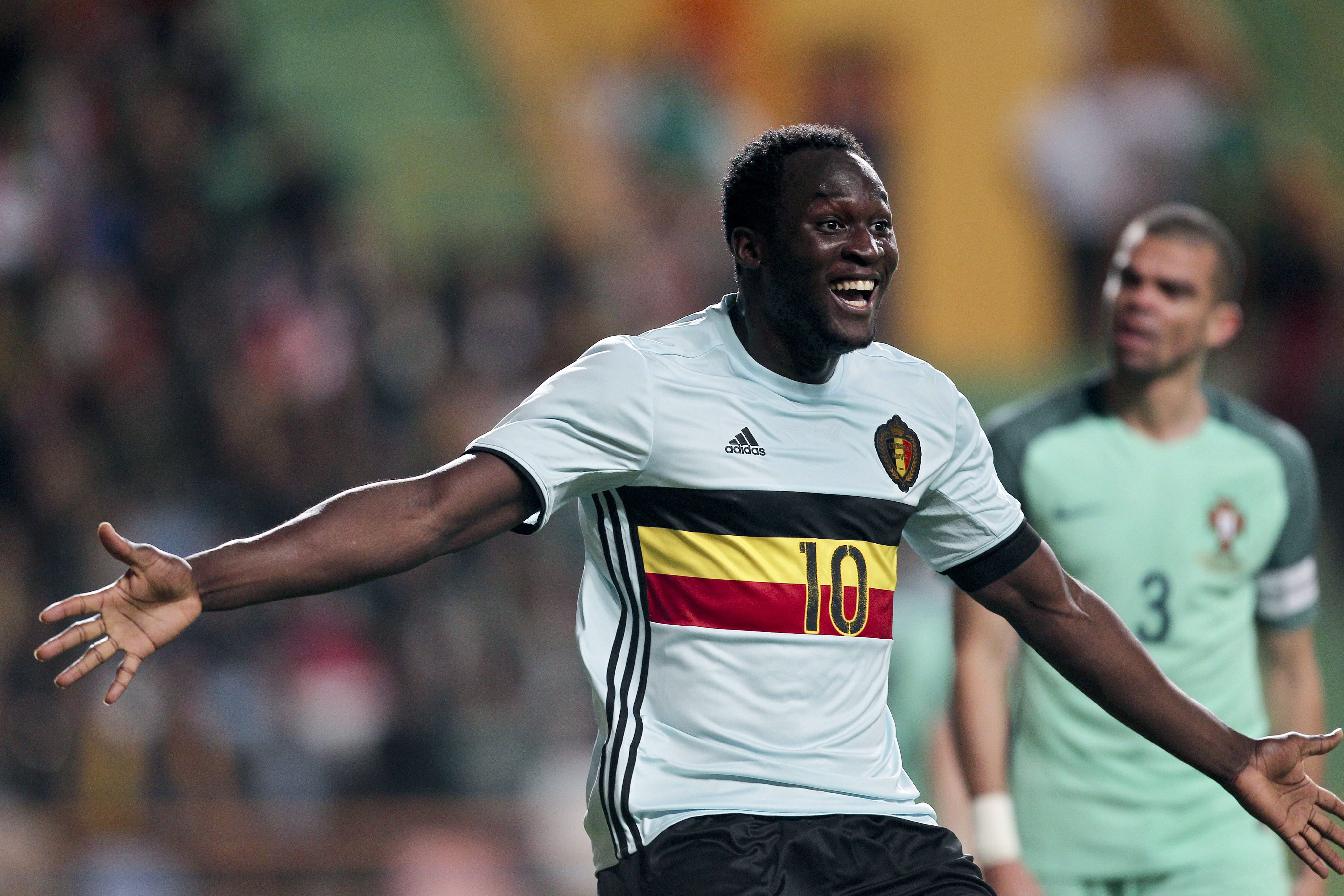 Belgium's Romelu Lukaku celebrates after scoring a goal against Portugal during the friendly soccer match between Portugal and Belgium at Magalhaes Pessoa Stadium in Leiria, Portugal, 29 March 2016.