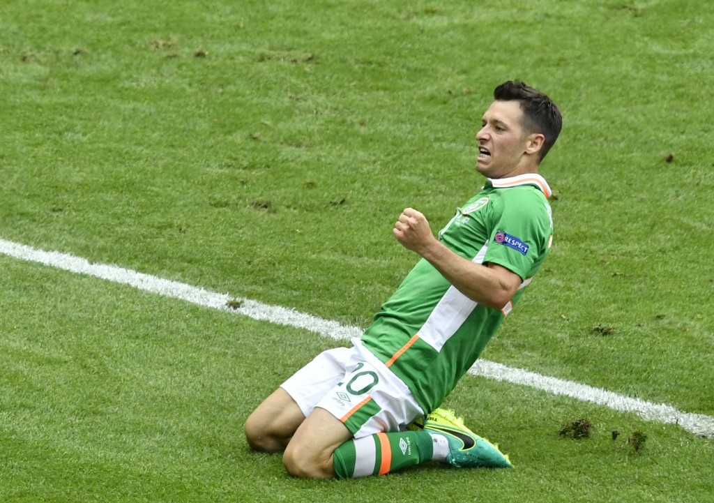 Ireland's midfielder Wesley Hoolahan celebrates after scoring a goal during the Euro 2016 group E football match between Ireland and Sweden at the Stade de France stadium in Saint-Denis on June 13, 2016. / AFP / PHILIPPE LOPEZ (Photo credit should read PHILIPPE LOPEZ/AFP/Getty Images)