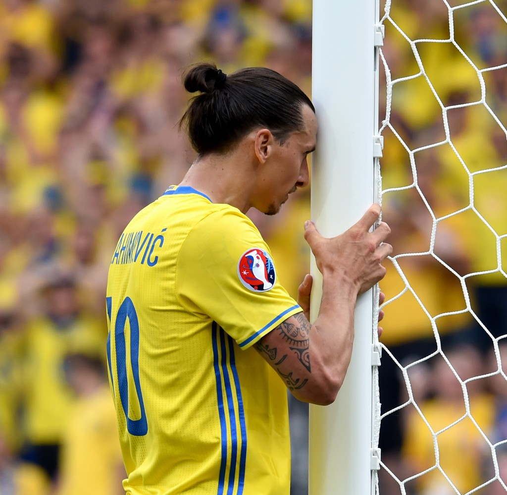 TOULOUSE, FRANCE - JUNE 17: Zlatan Ibrahimovic of Sweden looks dejected during the UEFA EURO 2016 Group E match between Italy and Sweden at Stadium Municipal on June 17, 2016 in Toulouse, France. (Photo by Claudio Villa/Getty Images)
