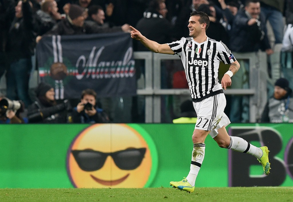TURIN, ITALY - FEBRUARY 23: Stefano Sturaro of Juventus celebrates after scoring his team's second goal during the UEFA Champions League Round of 16 first leg match between Juventus and FC Bayern Muenchen at Juventus Arena on February 23, 2016 in Turin, Italy. (Photo by Matthias Hangst/Bongarts/Getty Images)