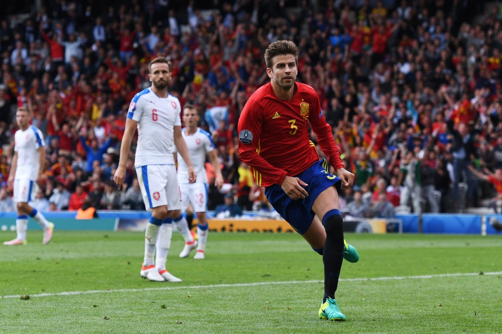 TOULOUSE, FRANCE - JUNE 13: Gerard Pique of Spain celebrates scoring his team's first goal during the UEFA EURO 2016 Group D match between Spain and Czech Republic at Stadium Municipal on June 13, 2016 in Toulouse, France. (Photo by David Ramos/Getty Images)