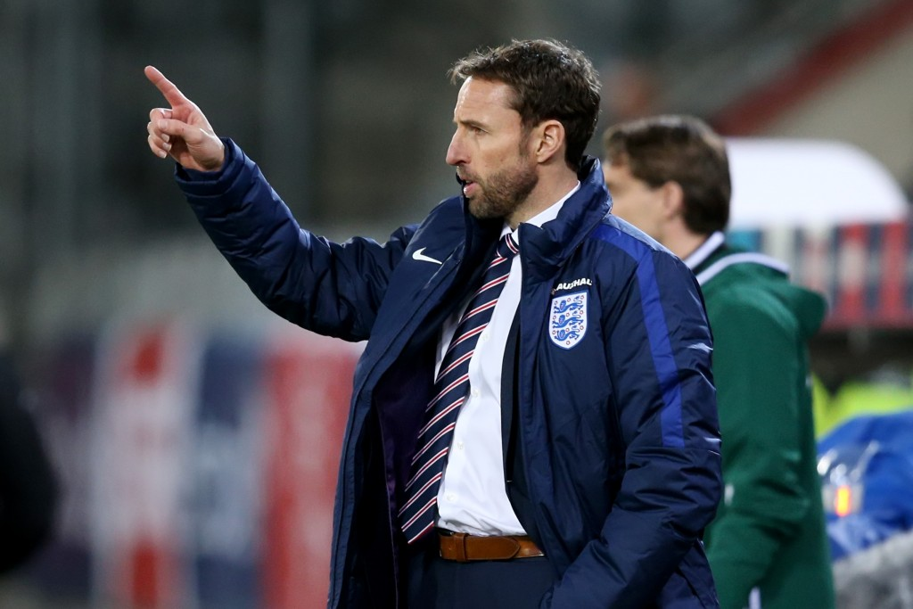 THUN, SWITZERLAND - MARCH 26: Gareth Southgate manager of England U21 gives instructions during the European Under 21 Qualifier match between Switzerland U21 and England U21 at Stockhorn Arena on March 26, 2016 in Thun, Switzerland. (Photo by Philipp Schmidli/Getty Images)
