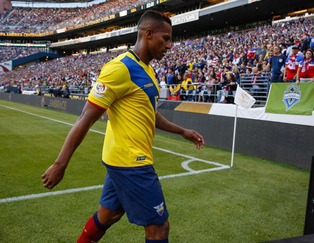 SEATTLE, WA - JUNE 16: Antonio Valencia #16 of Ecuador walks off the pitch after being sent away against the United States during the 2016 Quarterfinal - Copa America Centenario match at CenturyLink Field on June 16, 2016 in Seattle, Washington. (Photo by Otto Greule Jr/Getty Images)
