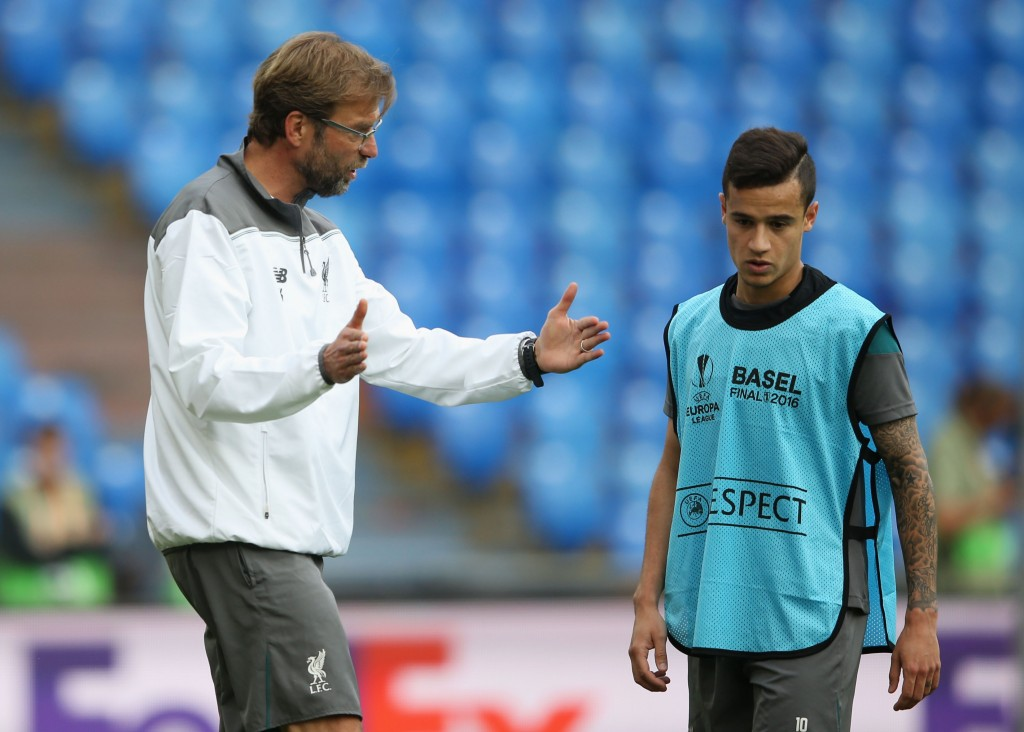 BASEL, SWITZERLAND - MAY 17: Jurgen Klopp, manager of Liverpool talks with Philippe Coutinho during a Liverpool training session on the eve of the UEFA Europa League Final against Sevilla at St. Jakob-Park on May 17, 2016 in Basel, Switzerland. (Photo by Lars Baron/Getty Images)