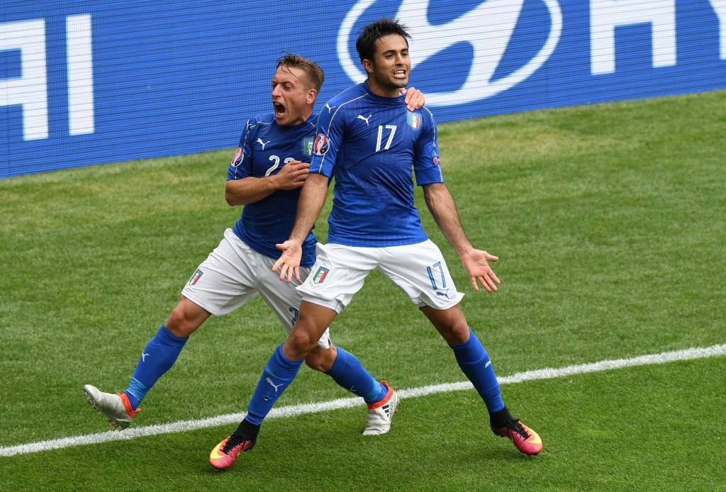 TOULOUSE, FRANCE - JUNE 17: Eder of Italy celebrates with Emanuele Giaccherini of Italy after he scores his sides first goal during the UEFA EURO 2016 Group E match between Italy and Sweden at Stadium Municipal on June 17, 2016 in Toulouse, France. (Photo by Dennis Grombkowski/Getty Images)
