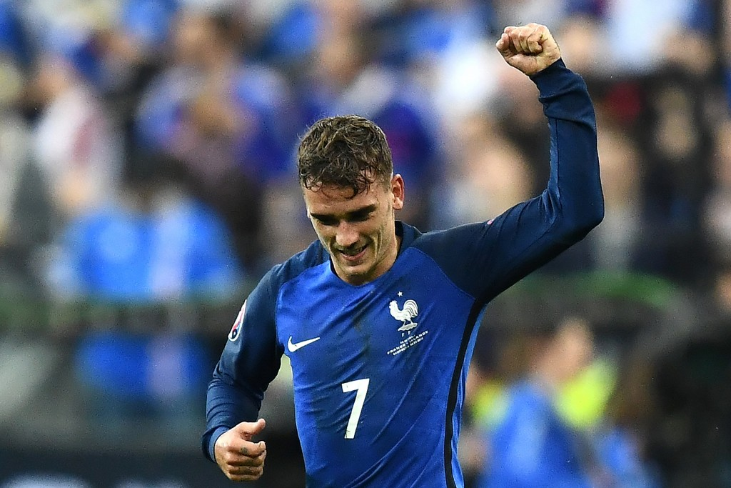 France's forward Antoine Griezmann celebrates after he scored the fourth goal for France during the Euro 2016 quarter-final football match between France and Iceland at the Stade de France in Saint-Denis, near Paris, on July 3, 2016. / AFP / FRANCK FIFE (Photo credit should read FRANCK FIFE/AFP/Getty Images)