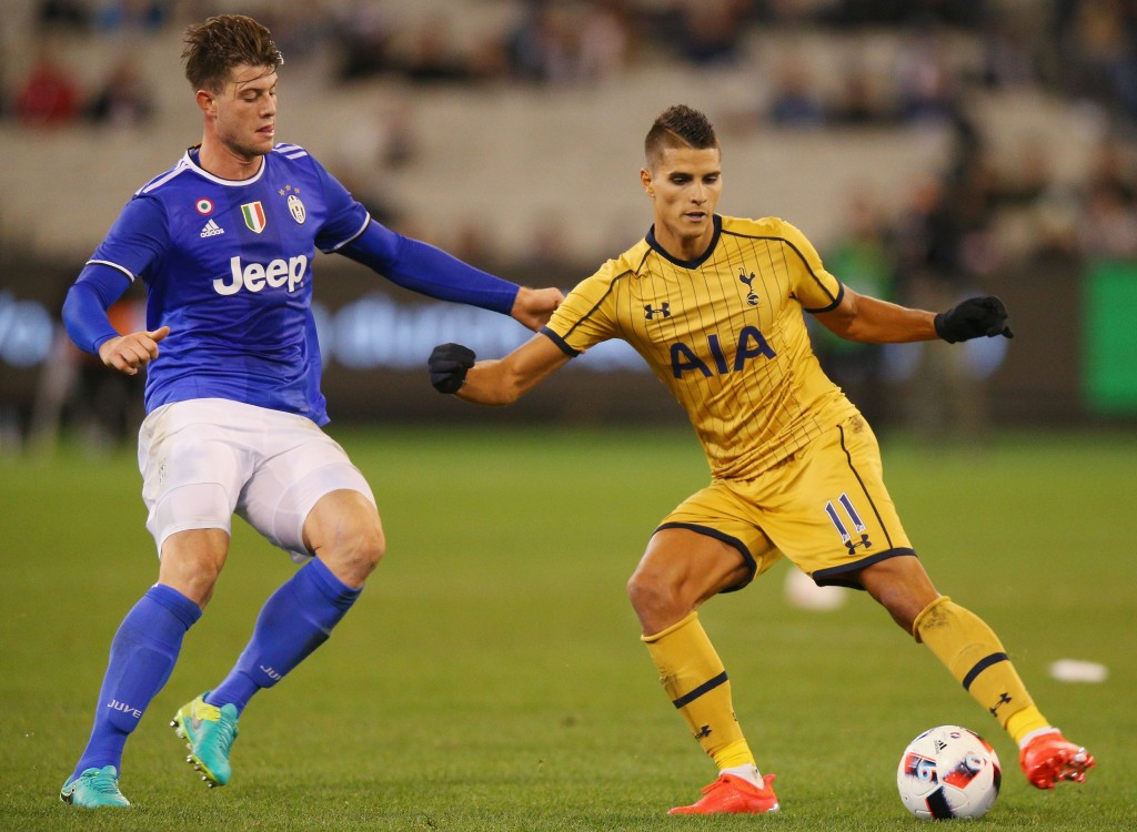 MELBOURNE, AUSTRALIA - JULY 26: Erik Lamela of Tottenham controls the ball during the 2016 International Champions Cup match between Juventus FC and Tottenham Hotspur at Melbourne Cricket Ground on July 26, 2016 in Melbourne, Australia. (Photo by Michael Dodge/Getty Images)