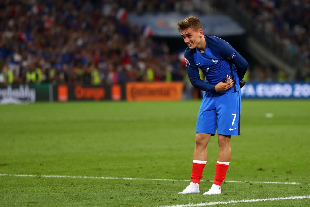 MARSEILLE, FRANCE - JULY 07: Antoine Griezmann of France salutes to supporters after his team's 2-0 win in the UEFA EURO semi final match between Germany and France at Stade Velodrome on July 7, 2016 in Marseille, France. (Photo by Lars Baron/Getty Images)