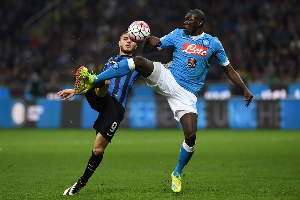 MILAN, ITALY - APRIL 16: Mauro Icardi (L) of FC Internazionale Milano is challenged by Kalidou Koulibaly of SSC Napoli during the Serie A match between FC Internazionale Milano and SSC Napoli at Stadio Giuseppe Meazza on April 16, 2016 in Milan, Italy. (Photo by Valerio Pennicino/Getty Images)