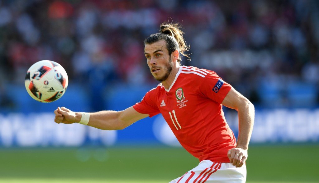 PARIS, FRANCE - JUNE 25: Wales player Gareth Bale in action during the Round of 16 UEFA Euro 2016 match between Wales and Northern Ireland at Parc des Princes on June 25, 2016 in Paris, France. (Photo by Stu Forster/Getty Images)
