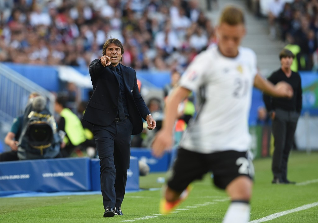 BORDEAUX, FRANCE - JULY 02: Antonio Conte head coach of Italy gestures during the UEFA EURO 2016 quarter final match between Germany and Italy at Stade Matmut Atlantique on July 2, 2016 in Bordeaux, France. (Photo by Claudio Villa/Getty Images)