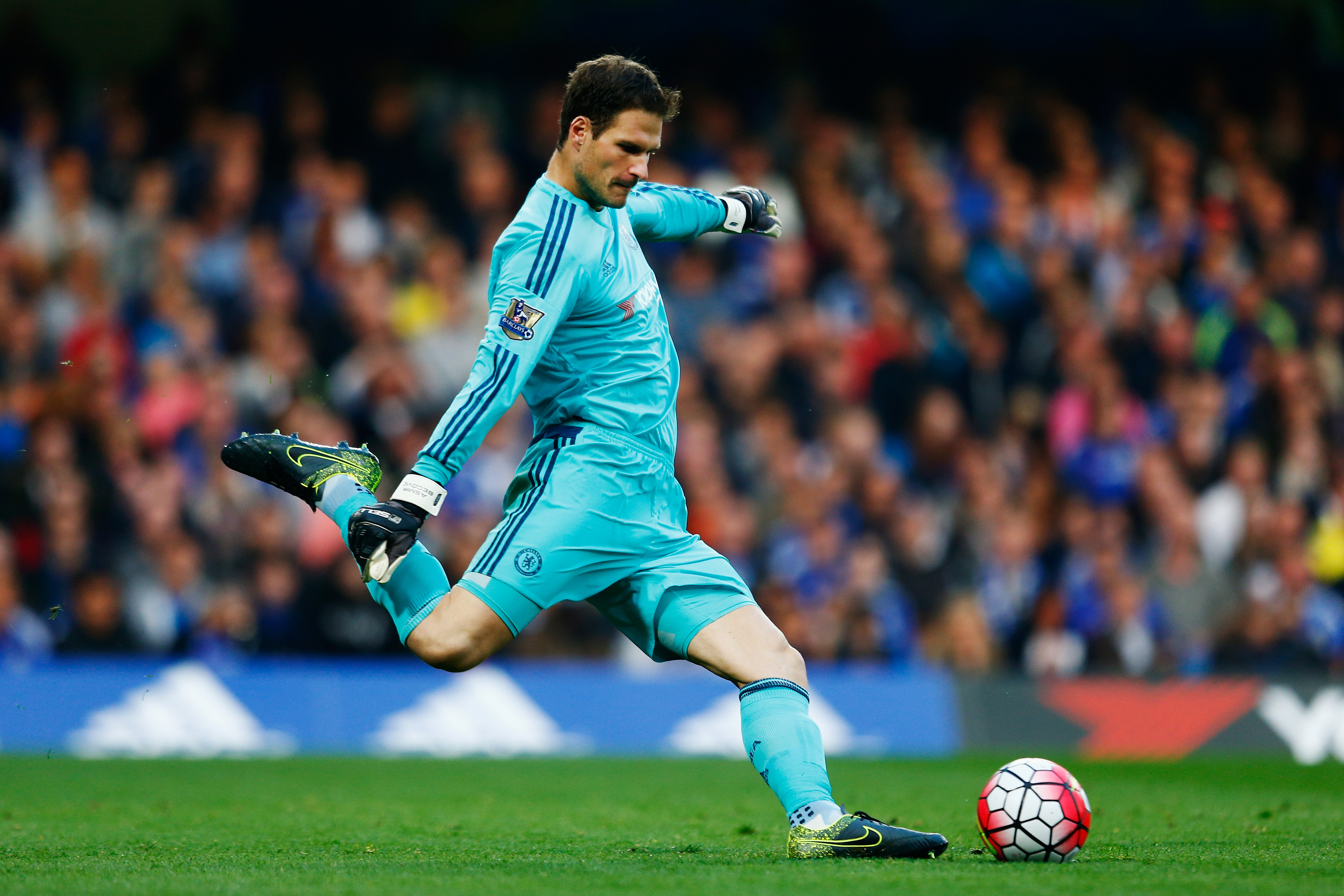 Chelsea reject Sunderland approach for Begovic Manchester City