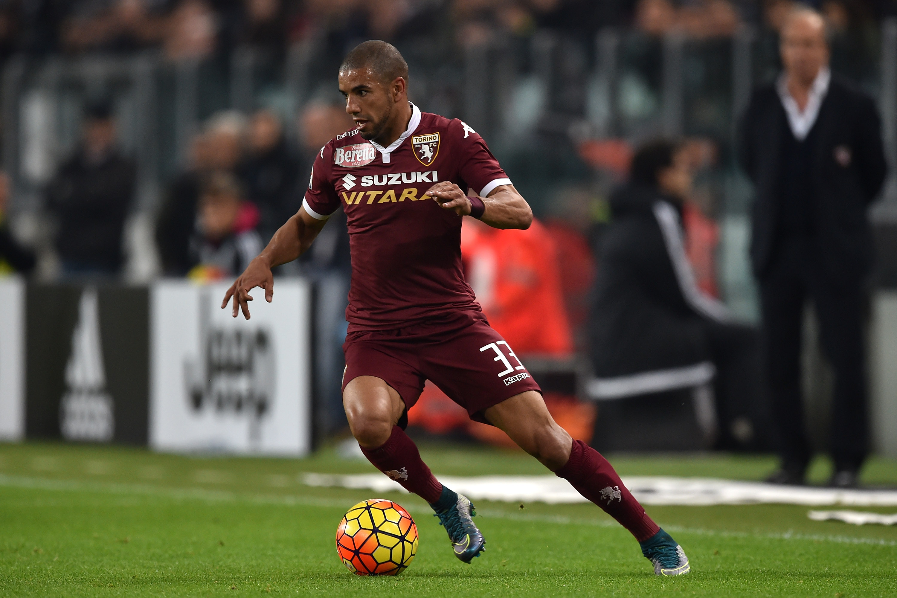 TURIN, ITALY - OCTOBER 31: Bruno Peres of Torino FC in action during the Serie A match between Juventus FC and Torino FC at Juventus Arena on October 31, 2015 in Turin, Italy. (Photo by Valerio Pennicino/Getty Images)