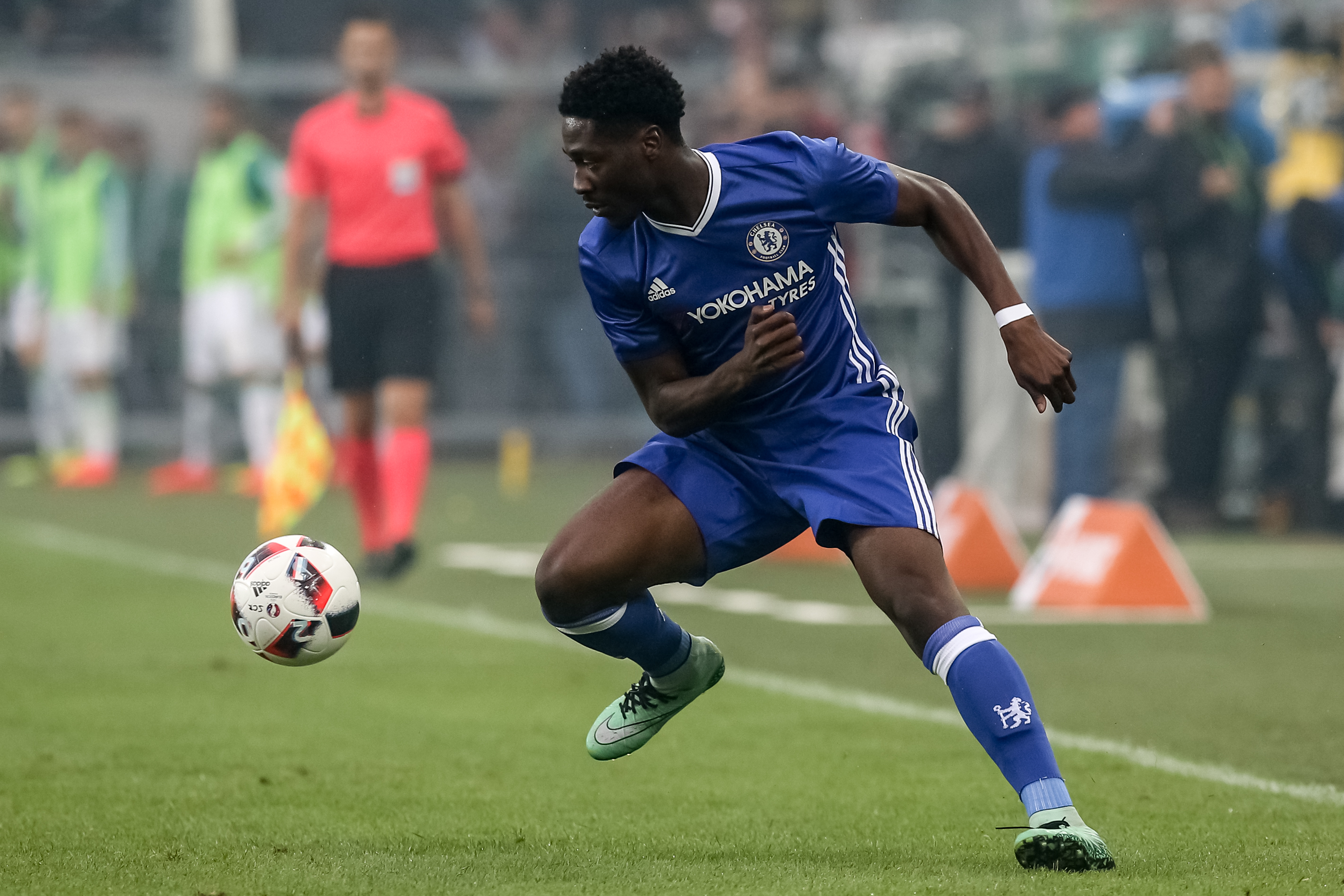 VIENNA, AUSTRIA - JULY 16: Ola Aina of Chelsea in action during an friendly match between SK Rapid Vienna and Chelsea F.C. at Allianz Stadion on July 16, 2016 in Vienna, Austria. (Photo by Matej Divizna/Getty Images)