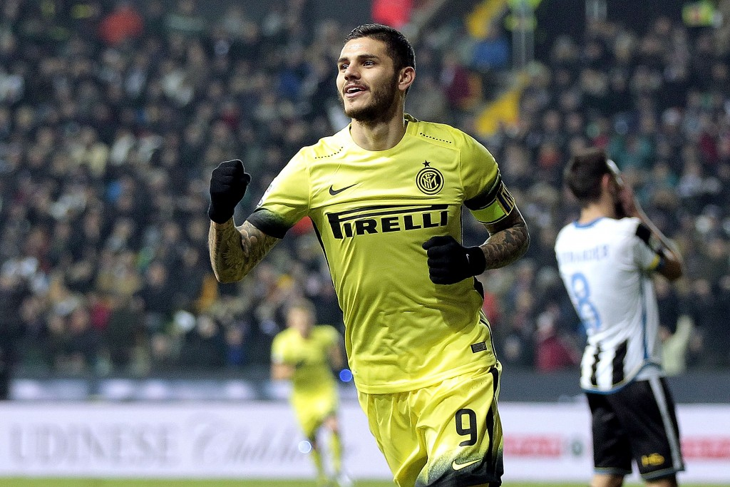UDINE, ITALY - DECEMBER 12: Mauro Icardi of FC Internazionale Milano celebrates after scoring a goal during the Serie A match betweeen Udinese Calcio and FC Internazionale Milano at Stadio Friuli on December 12, 2015 in Udine, Italy. (Photo by Gabriele Maltinti/Getty Images)
