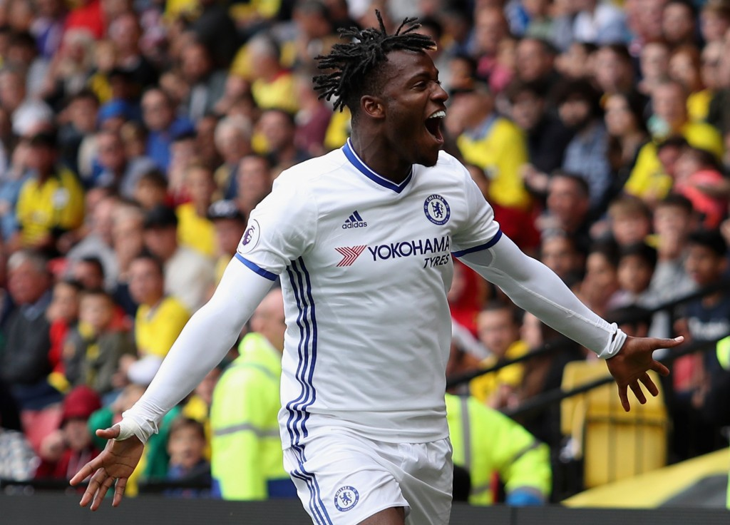 WATFORD, ENGLAND - AUGUST 20: Michy Batshuayi of Chelsea celebratse scoring their first goal during the Premier League match between Watford and Chelsea at Vicarage Road on August 20, 2016 in Watford, England. (Photo by Christopher Lee/Getty Images)