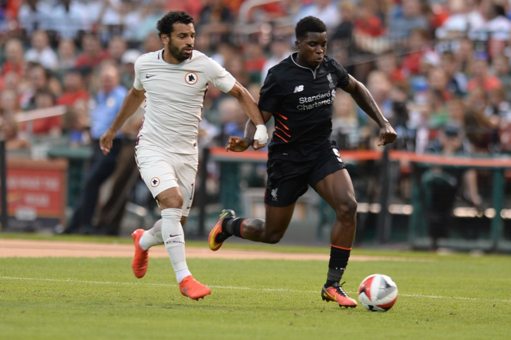 Liverpool forward Christian Benteke (9) moves the ball againsr Roma during their friendly soccer match at Busch Stadium in St. Louis, Missouri on August 1, 2016. / AFP / Michael B. Thomas        (Photo credit should read MICHAEL B. THOMAS/AFP/Getty Images)