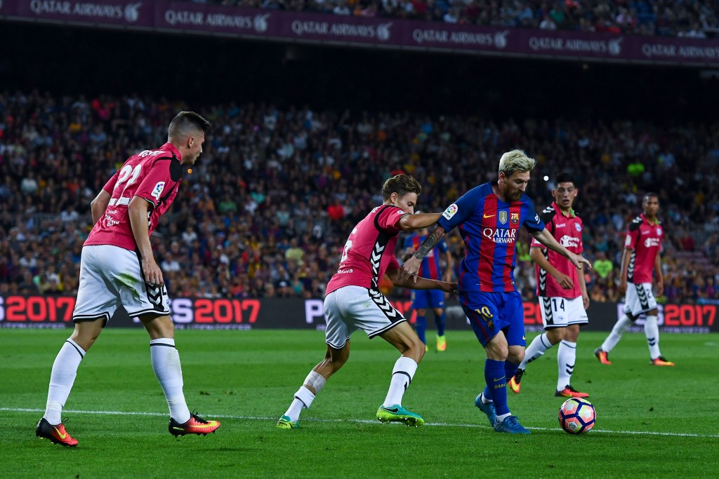 The formation afforded no space to Barcelona's creative superstars, which was essential in Alaves' victory. (Picture Courtesy - AFP/Getty Images)