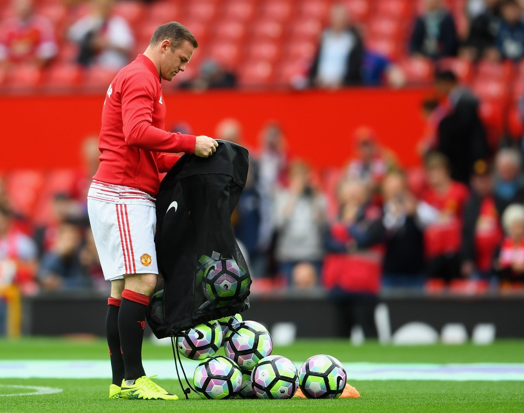 MANCHESTER, ENGLAND - SEPTEMBER 24: Wayne Rooney of Manchester United prepares for warm up as he is dropped to the becnch for the Premier League match between Manchester United and Leicester City at Old Trafford on September 24, 2016 in Manchester, England. (Photo by Laurence Griffiths/Getty Images)