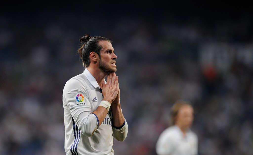 MADRID, SPAIN - AUGUST 27: Gareth Bale of Real Madrid reacts during the La Liga match between Real Madrid CF and RC Celta de Vigo at Estadio Santiago Bernabeu on August 27, 2016 in Madrid, Spain. (Photo by Denis Doyle/Getty Images)